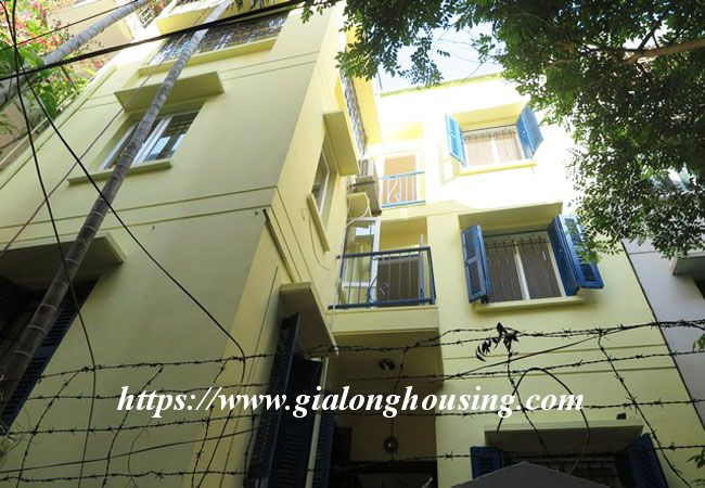 Bright house in Doi Can for rent, partial furnished 2