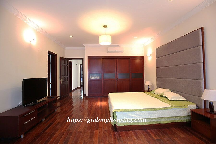 Villa in block C, Ciputra urban area for rent 1