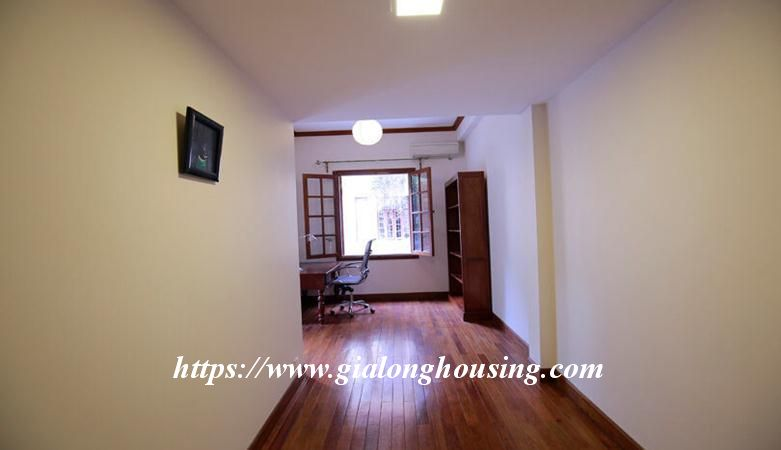 Gorgeous villa in Ton Duc Thang, Ba Dinh for rent 3
