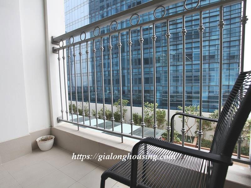2 bedroom apartment for rent in Vinhomes Nguyen Chi Thanh 7