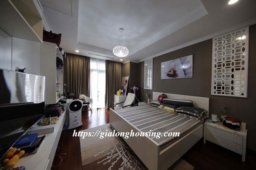 Big 2 bedroom apartment in Royal City Nguyen Trai for rent 6