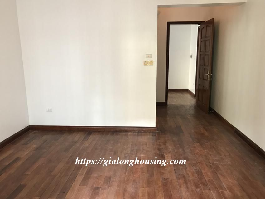 Unfurnished villa in 52 To Ngoc Van for rent 6
