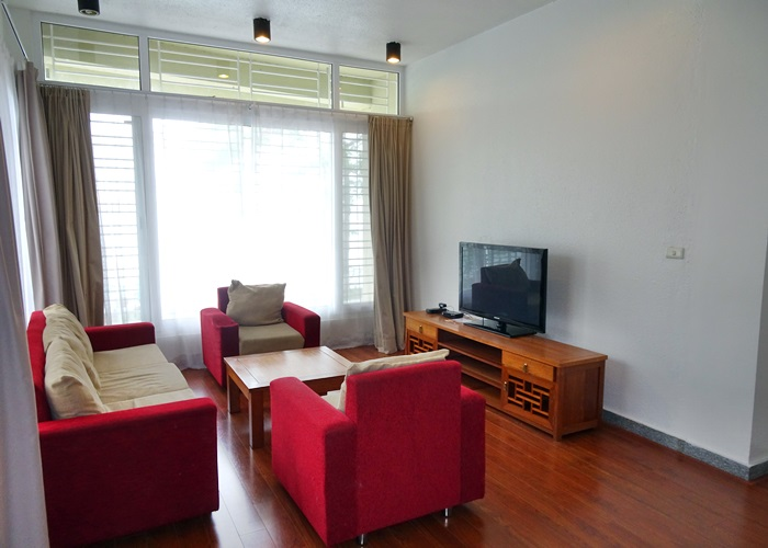 Huge apartment with nice lake view in Nhat Chieu
