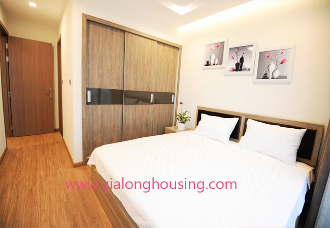 Apartment for rent in Vinhomes metropolis building, 2 bedroom 4